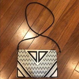 Versatile Black and white crossbody bag
